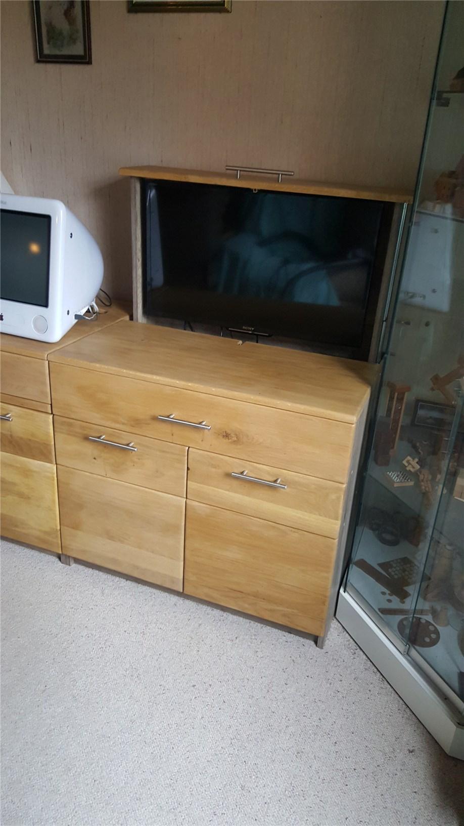livraison du meuble multim dia eb nisterie d 39 art grabouille. Black Bedroom Furniture Sets. Home Design Ideas